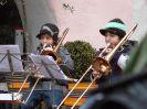 2009-12-12 Jugendkapelle spielt Weihnachtslieder am Dorfplatz